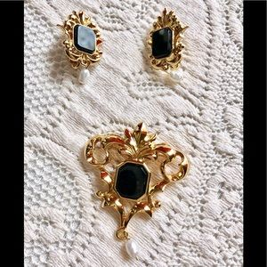 Vintage Avon gold tone brooch and earrings set